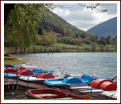 Romantic tour of the lake